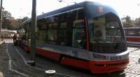 Prototyp Škoda 15T před vozovnou Střešovice